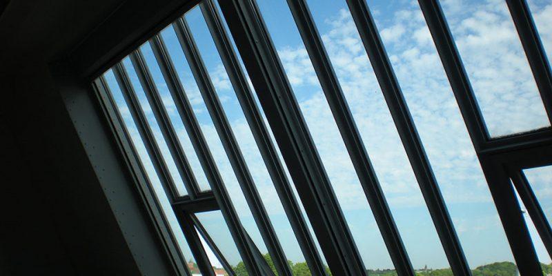 Fensterfront zur Belichtung der Zeichenräume © Arndt