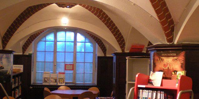 Kreuzgewölbe in der damaligen Milchausgabe, heute Bibliothek © Arndt