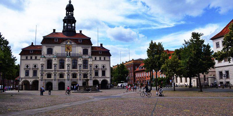 Lüneburger Marktplatz und historisches Rathaus © Da Costa/Fahr