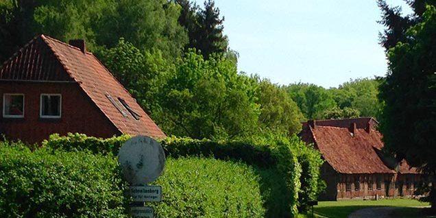Zufahrt zum Gut Schnellenberg © Rosenau/WItt