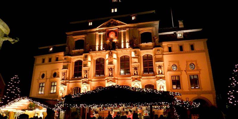 Weihnachten am Rathaus © Küpperbusch