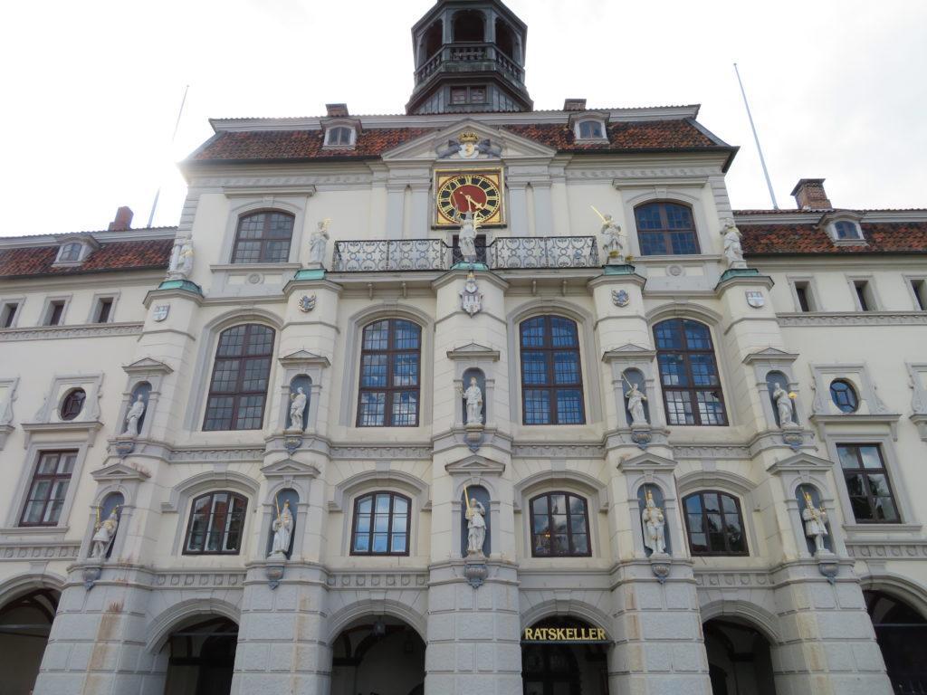 Das Rathaus am Marktplatz © Grosser