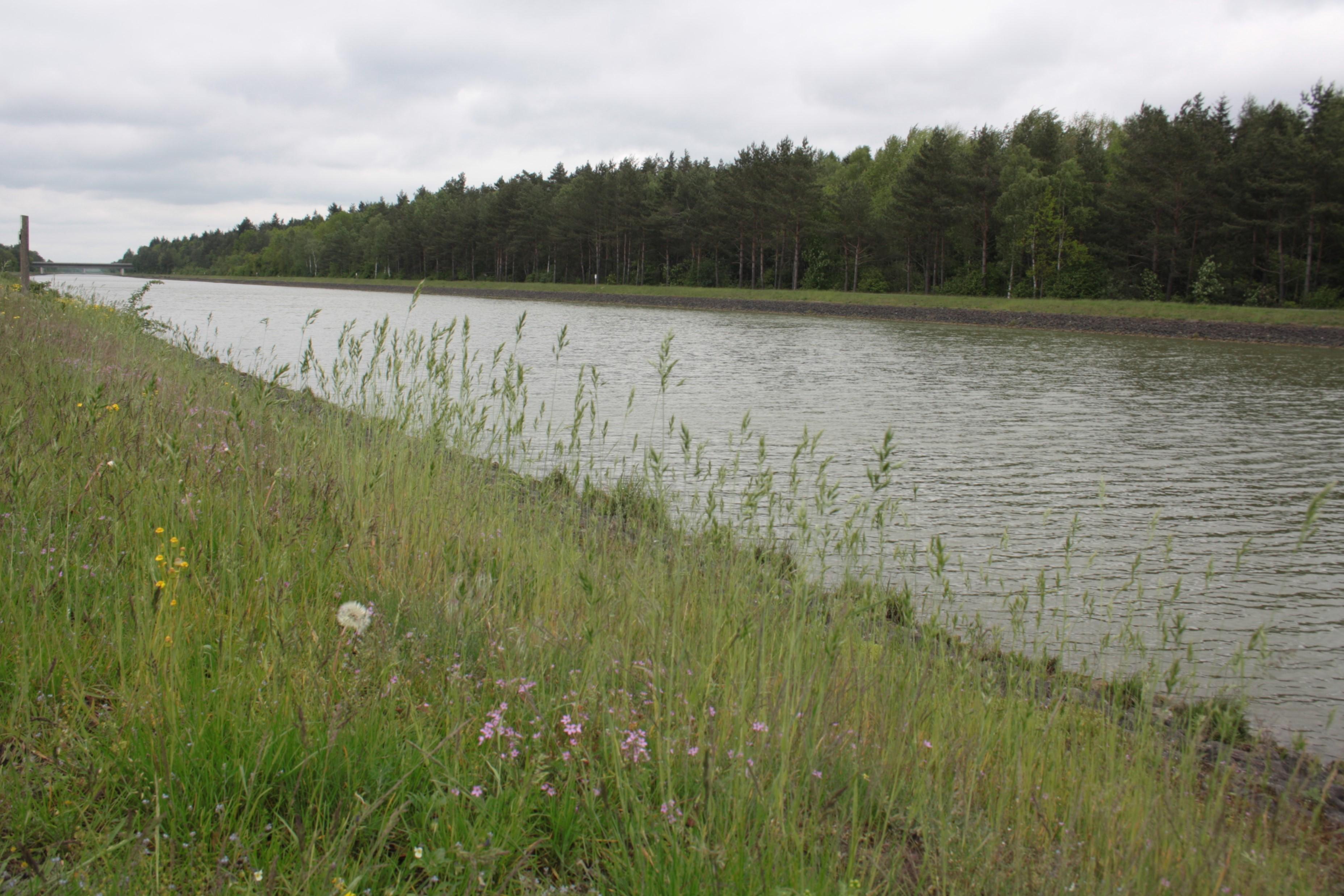 Das Ufer des ESK lässt sich auf beiden Seiten mit dem Fahrrad befahren © Remmers