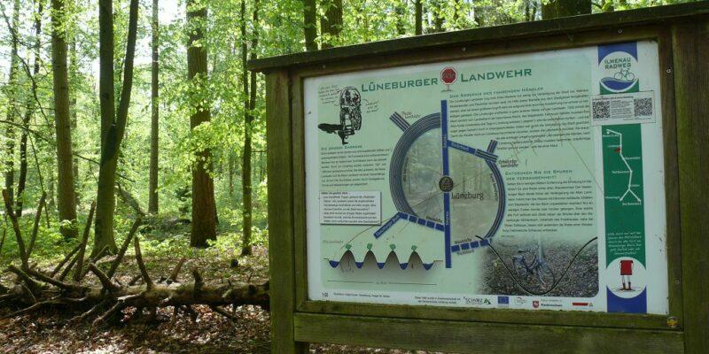 Naturinformationspunkt 18: Lüneburger Landwehr © Stumpe