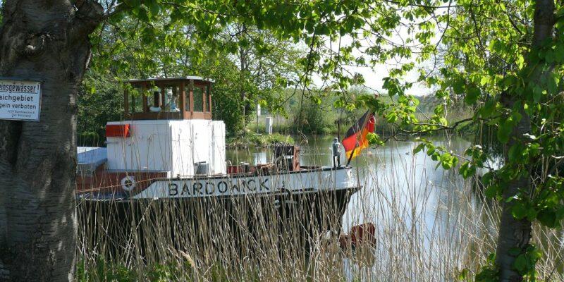Schiff an der Bardowicker Schleuse © Stumpe