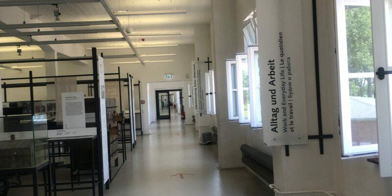 Hier wird über den Alltag und das Leben der Häftlinge informiert sowie die dort begangenen Verbrechen aufgearbeitet © Koberidze