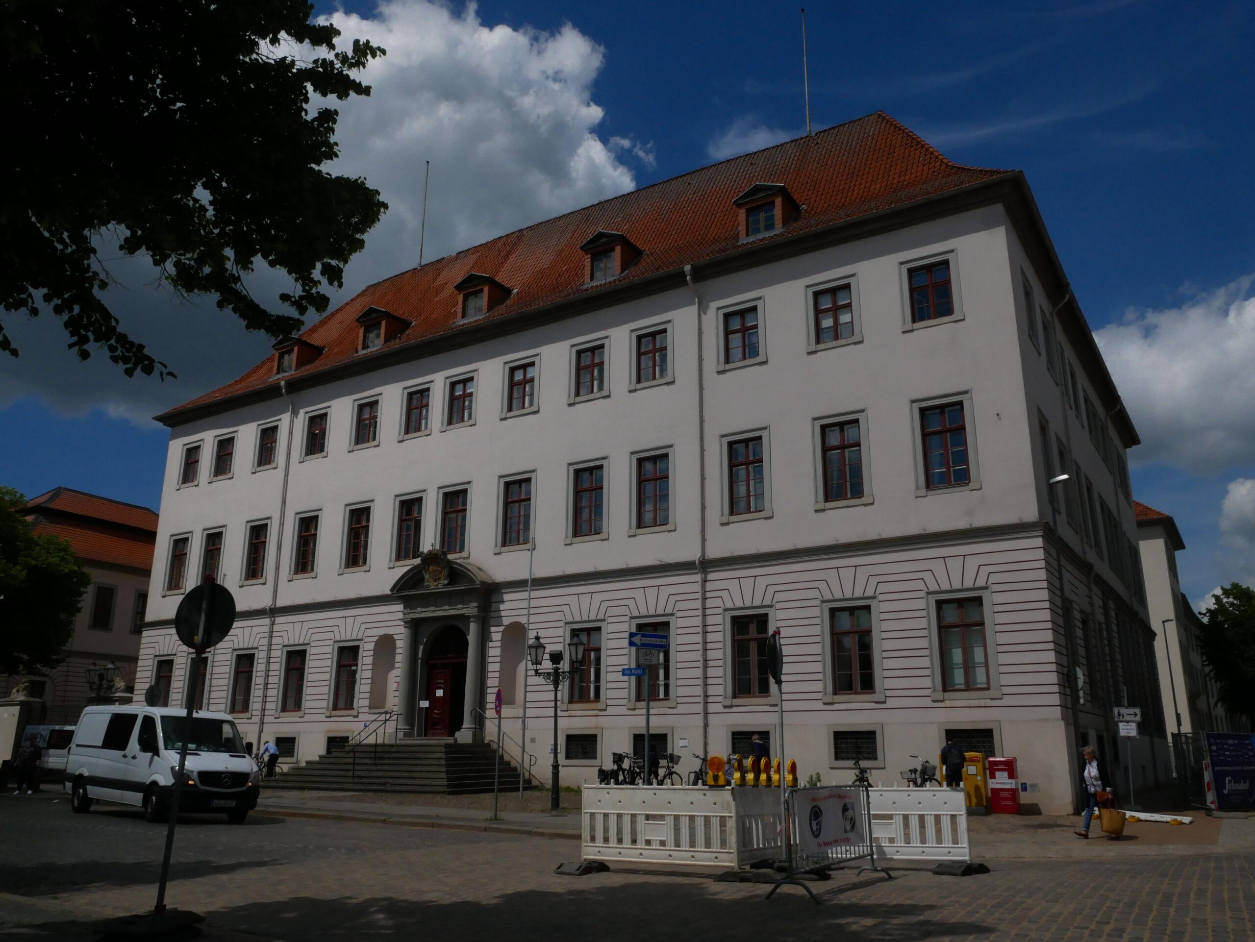 Das zwischen 1693 und 1696 errichtete Schloss, heute dient es als Landgericht © Behrens/Groesgen
