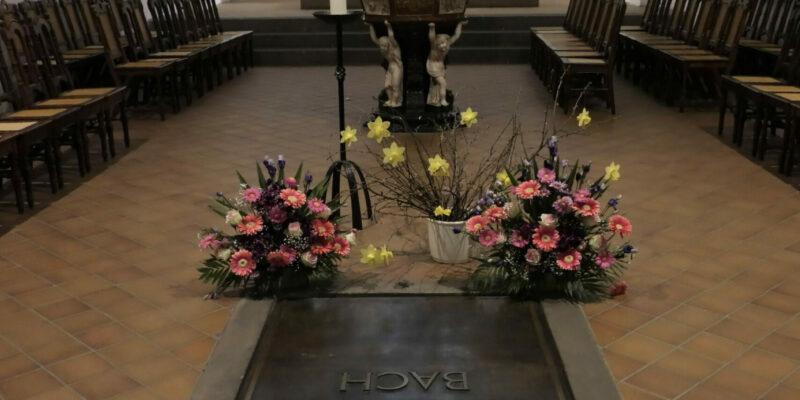 Das Grab von Johann Sebastian Bach in der Thomaskirche in Leipzig © Dahmen